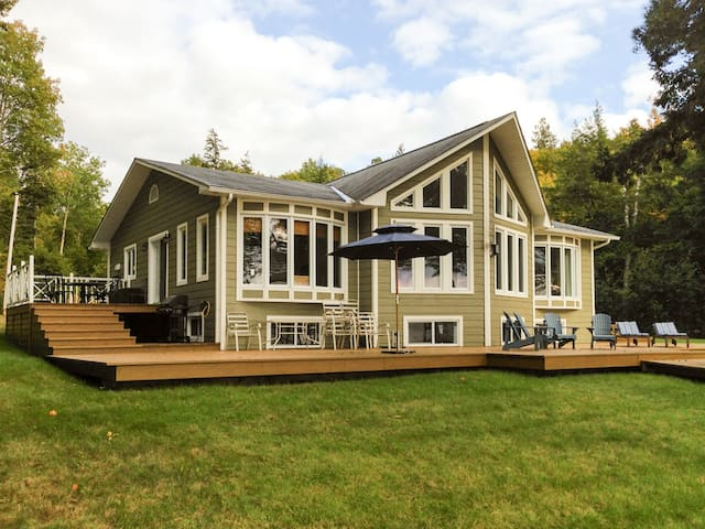 Chalet Beach House Cottage - Lac-Simon - Cabin
