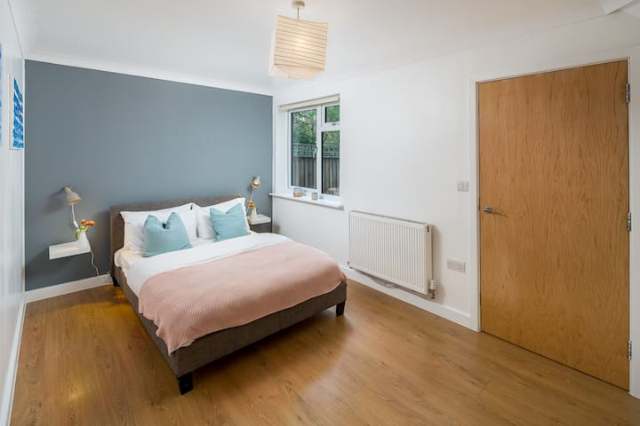 Elegant 2bed flat in London, Kensal Green