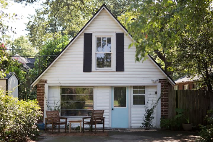 Vintage Rosewood Carriage House