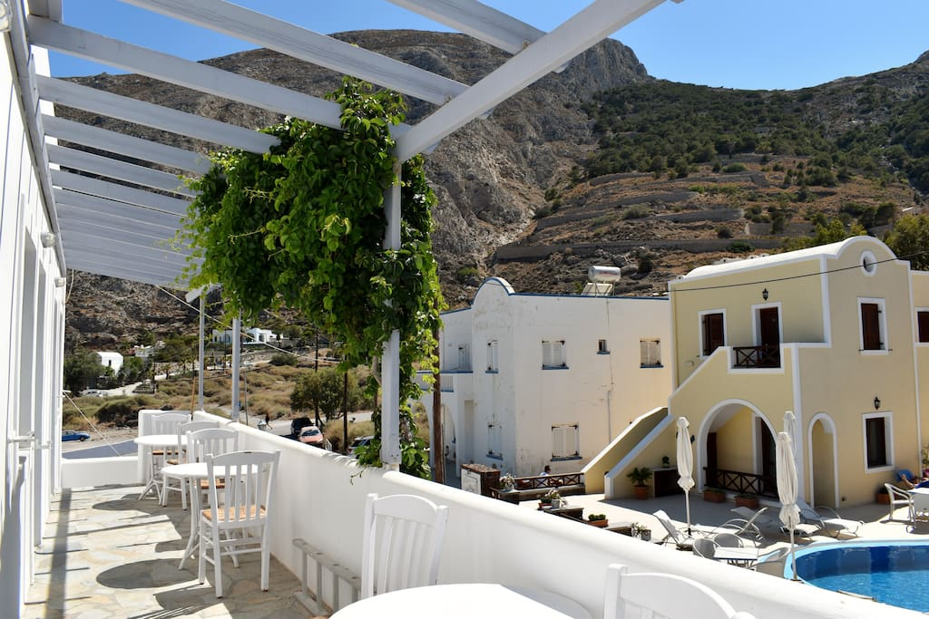The second balcony with view to the Ancient Thira