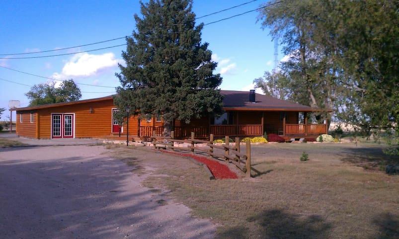 Prairie Pines Lodge