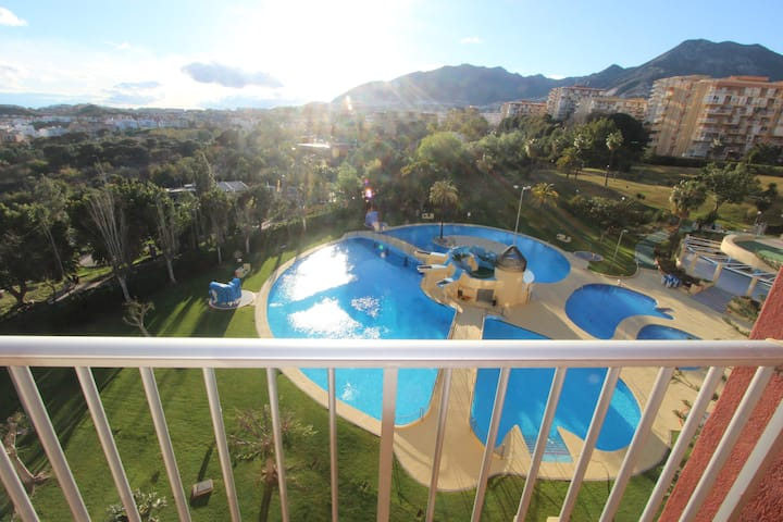 Minerva. Ocean, mountain and pool views. 527