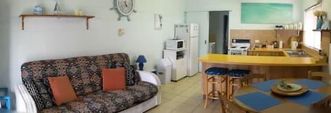 Ocean Blue Relax - Cosy ground floor unit.