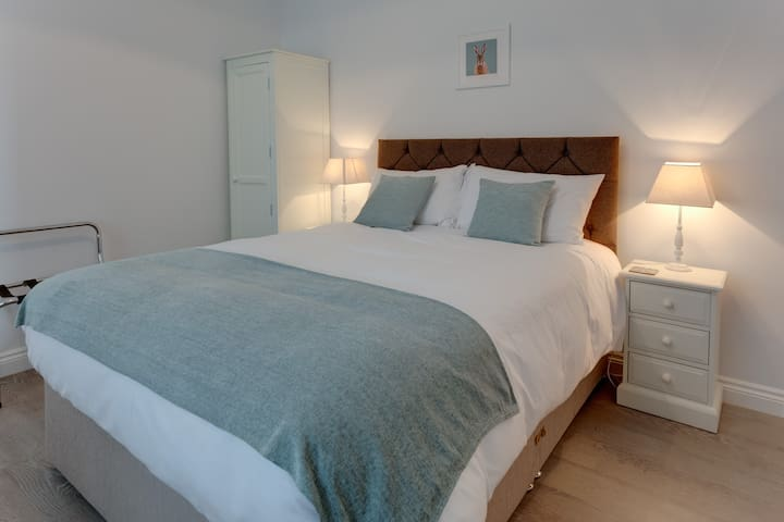 Cotswold Hare - Room 5 - King Room