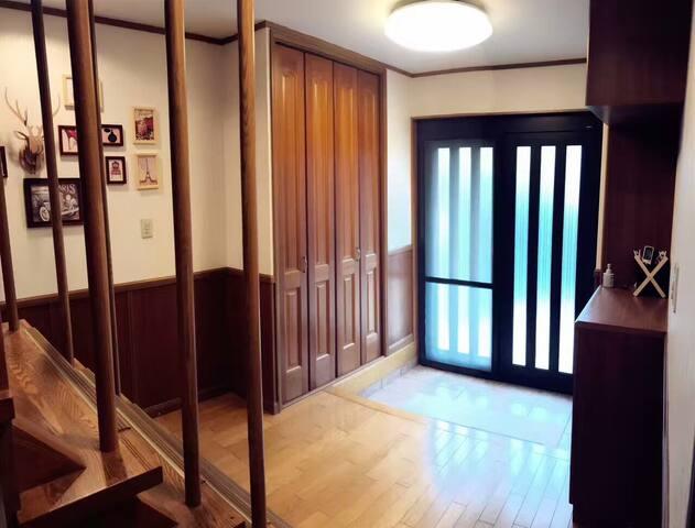 日式别墅 距离岚山电车15分钟! 洋室和室并存 坐落在安静的向日町让你有不一样的生活体验
