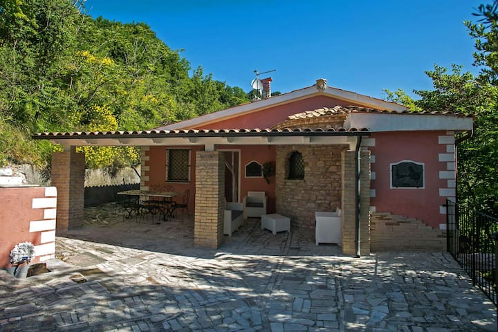 CASA DEL DUCA - Pool, wi-fi, pet-friendly