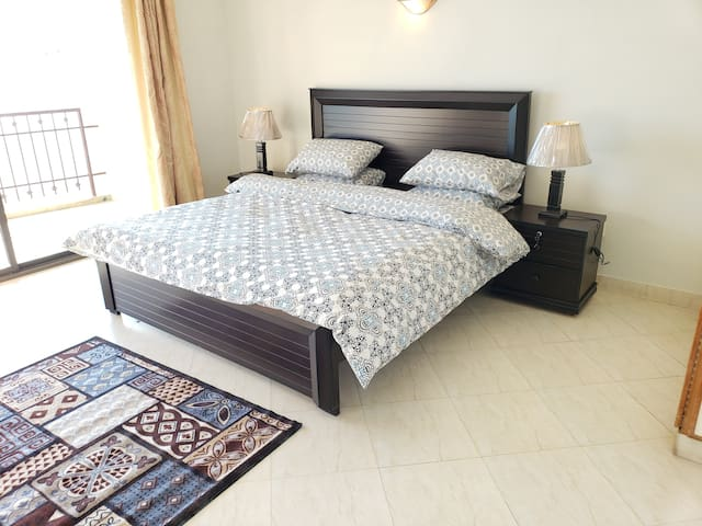 Homely Comfort  Rove Lodging-3 Bed Room Apartment, Murree
