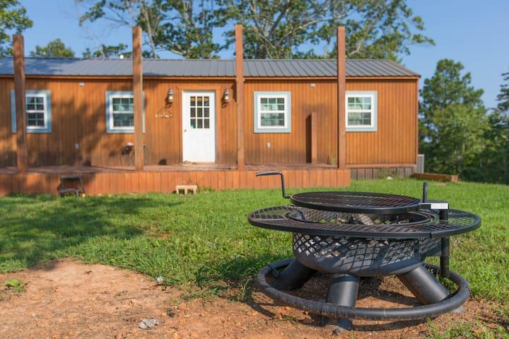 Modern Cozy Cabin on Dale Hollow