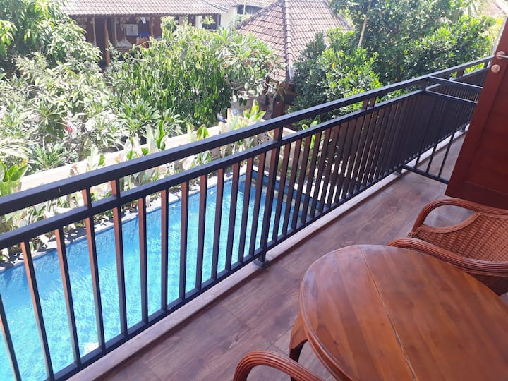 Athaya Homestay, Balcony2, PooL, Wifi, Beach 7mnt!