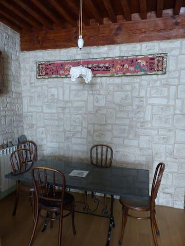 C'est ici que nous vous servirons vos petits déjeuners.