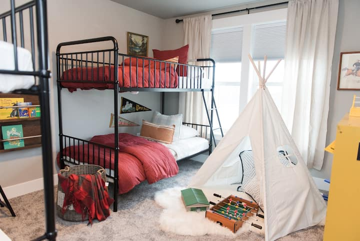 *New* Family Bnb: Parent Oasis + Kid Dreamland