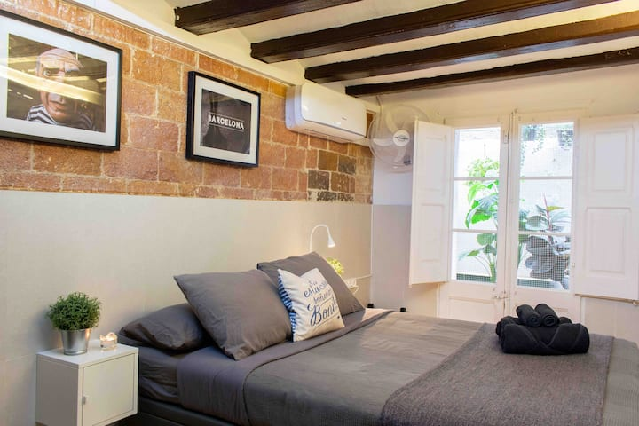 Double room with private bathroom. Heating