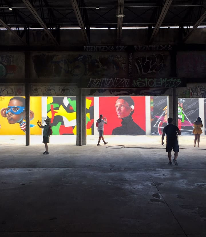 Get lost in the wildness of street art!