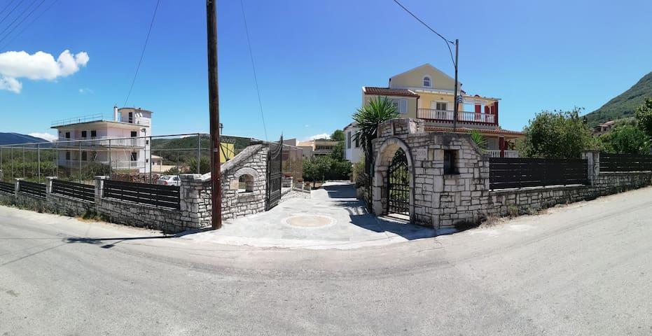 Kyra Seaside