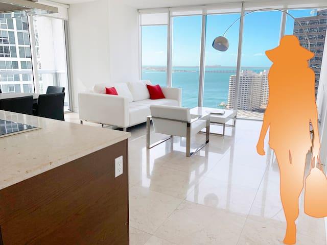 Breathtaking views and prime location in Miami