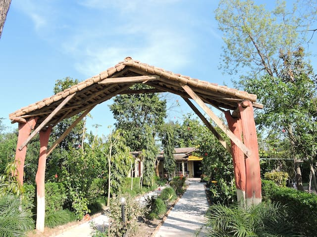 "Bardia Wildlife Resort ''Paradise"""