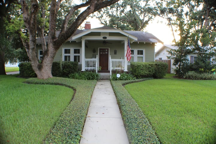 Historic home 30-min. from theme parks and beaches
