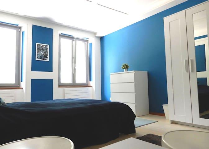 T'22-Chambre Azur-maison villageoise-Fleurier