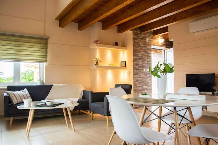 Thrasivoulo's Family Country House