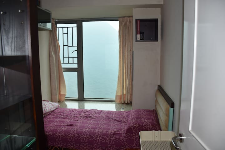 Room with a view (Near Airport and AsiaWorld Expo)