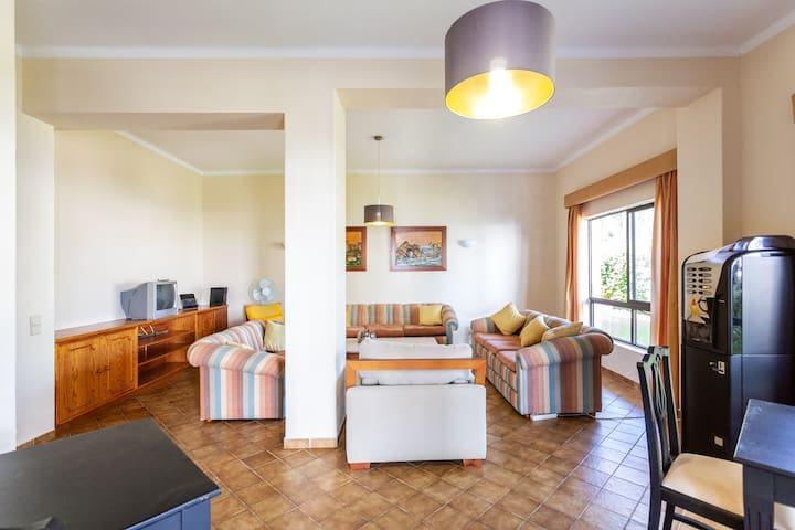 The apartment has free wifi to let you share all the content of the day!