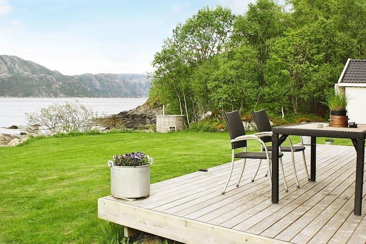 4 esrellas case en Nord-Statland