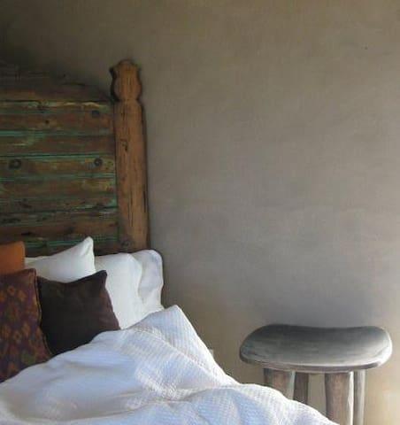 Casa Linda - Guest Bedroom