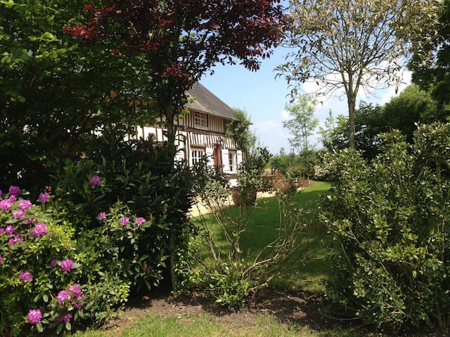 Belle Longère Normande De Charme - Annebault - Haus