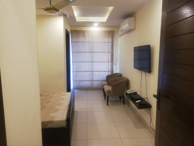 Entire one bed apartment with all amenities.