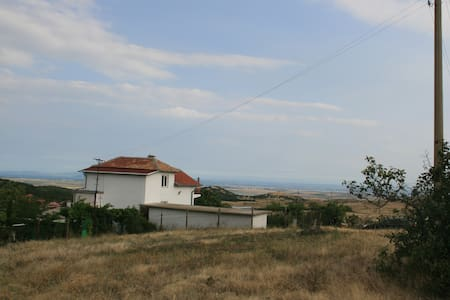 Large Villa with distant sea view & swimming pool