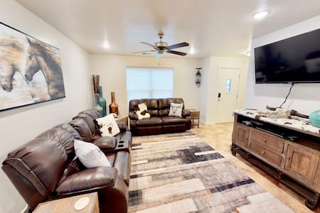 Wildhorse Canyon ~ 14A3, 2 bedroom unit Pet Friendly & Private Hot Tub  - Wildhorse Canyon ~ 14A3