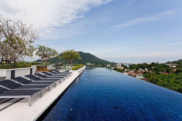 Luxury Room & Roof Top Pool in Phuket Town #H253