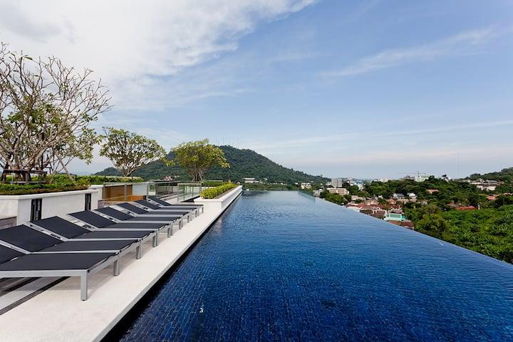 Luxury Room & Roof Top Pool in Phuket Town #H262