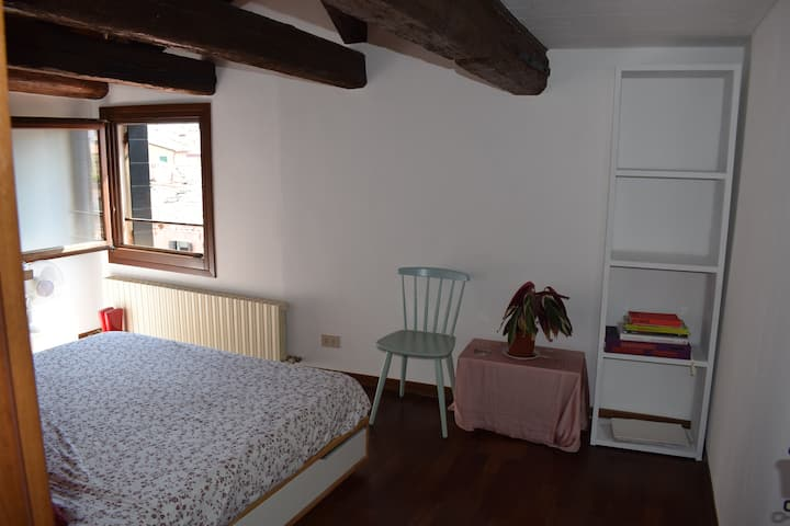 Beautiful and central room in the heart of Venice