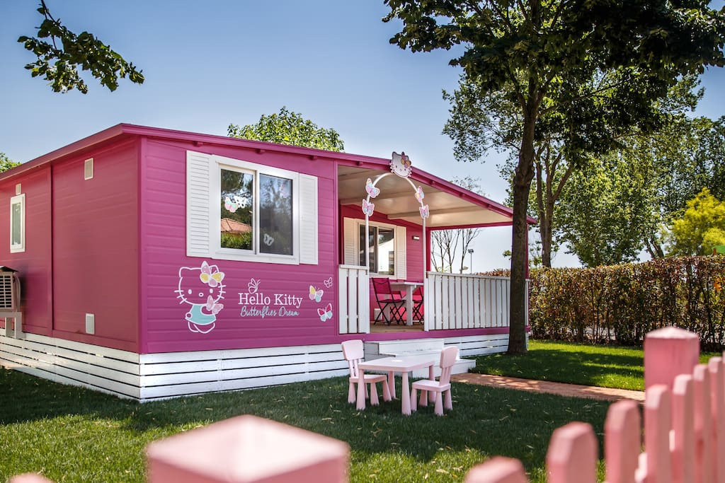 Hello kitty mobile home bungalows for rent in fiano - Casa de hello kitty ...