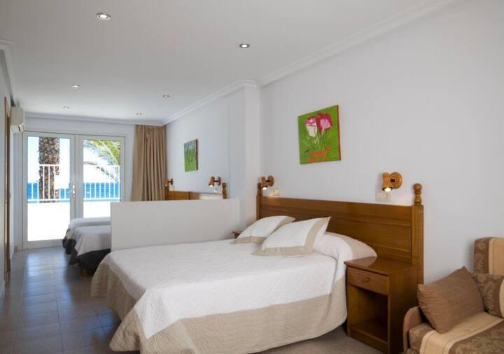 Habitación Doble + 2 camas extras