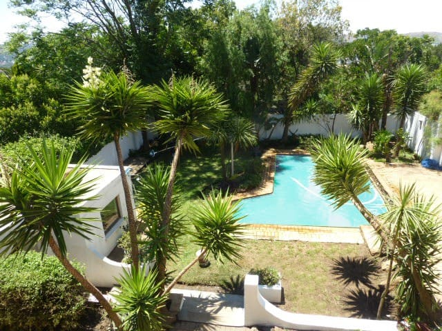 Big Holiday Home close to Downtown Joburg
