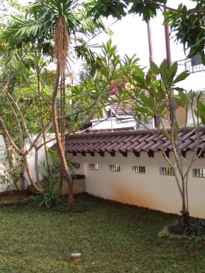 Azalea Sharia Guesthouse