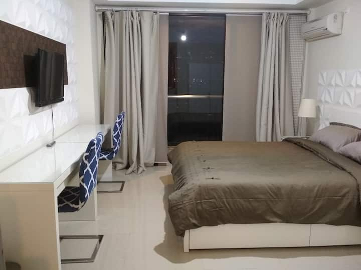 Dago Beverly Homey Studio Apartment