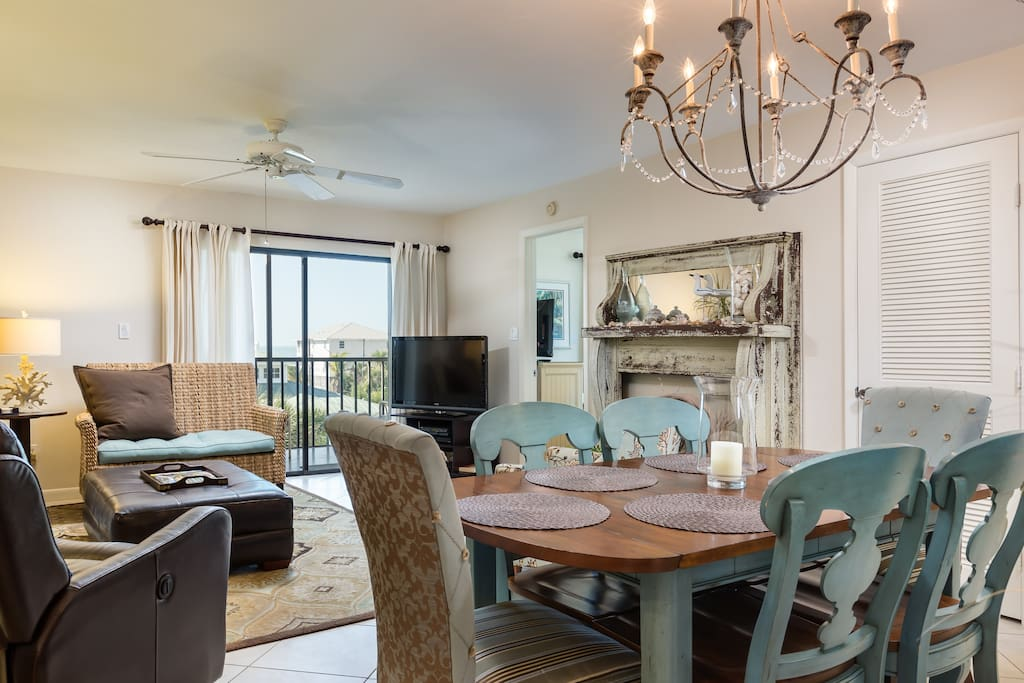 Enjoy meals for 6 around the spacious dining table.