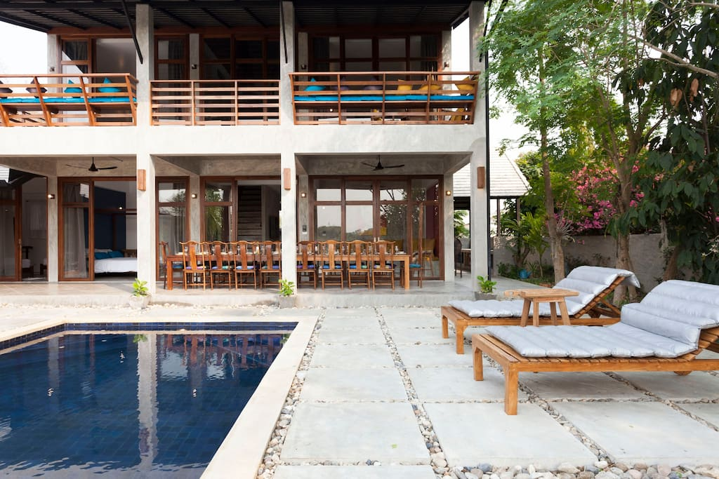 Pool and dining area Villa 1
