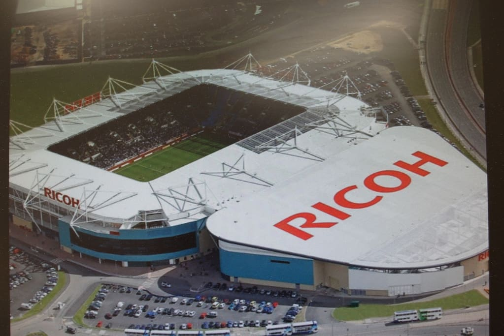 Ricoh Arena just 10 min away next to Junction 3 of the M6 which gives you easy motorway direct access to many places Coventry, Rugby, Nuneaton, Birmingham NEC.