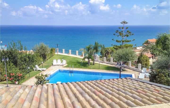 Holiday cottage with 4 bedrooms on 150m² in Altavilla Milicia