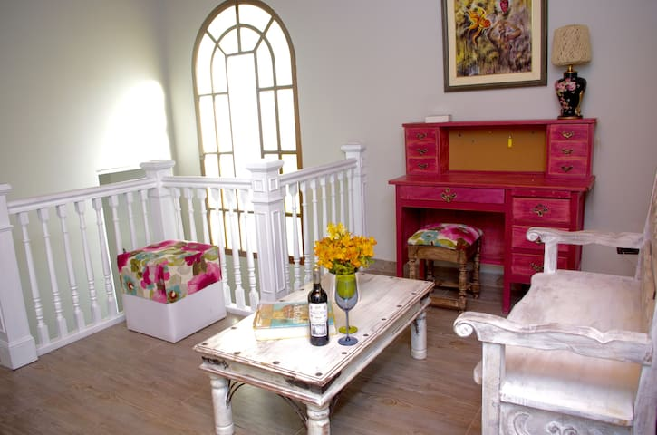 Newly vintage house (+4.300 sqf) Miraflores