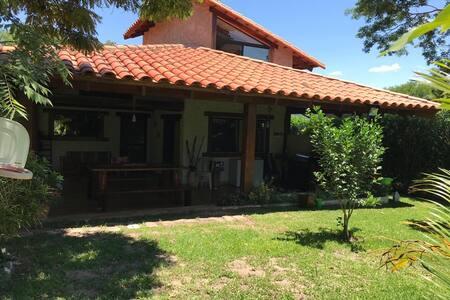 Casa Laguna Azul