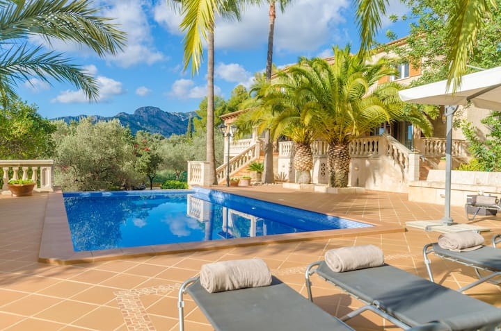 CAN JORDI - Amazing villa with private pool near the mountains Free WiFi