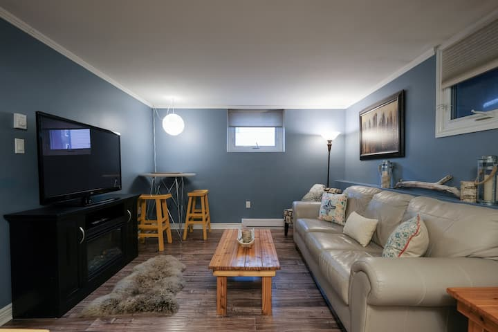 Fantastic condo in a great location, with Parking!