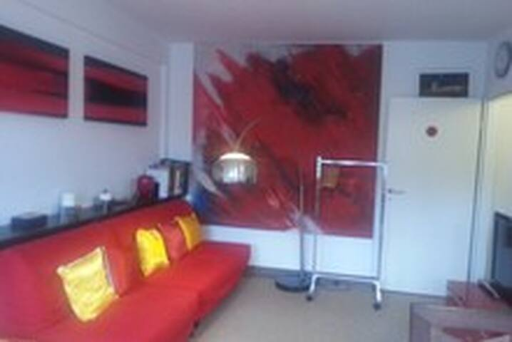 rotes Zimmer - red room