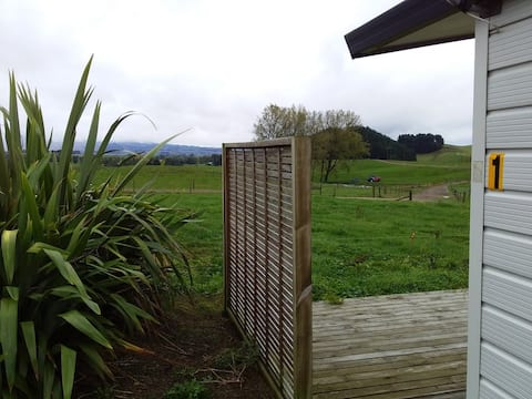 Poplar View Farm Stay (Studio unit - Unit 1)