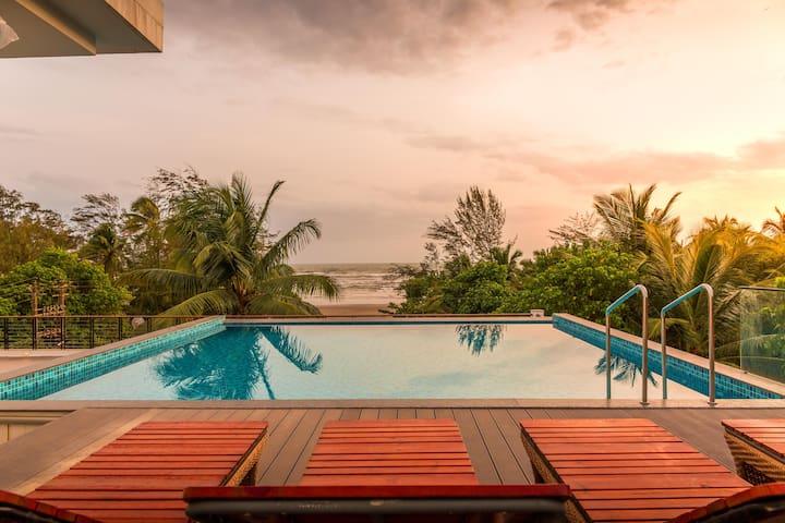 Ashore- Luxury Beach Front Villa W/ Infinity Pool